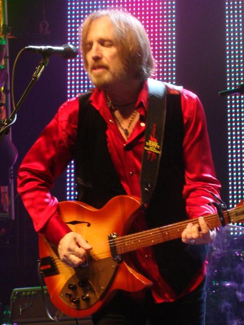 tom petty echo. As usual, Tom Petty and the